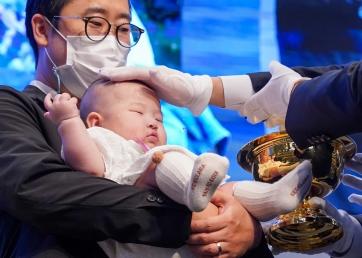유아세례식 통해 다음세대 비전 공유